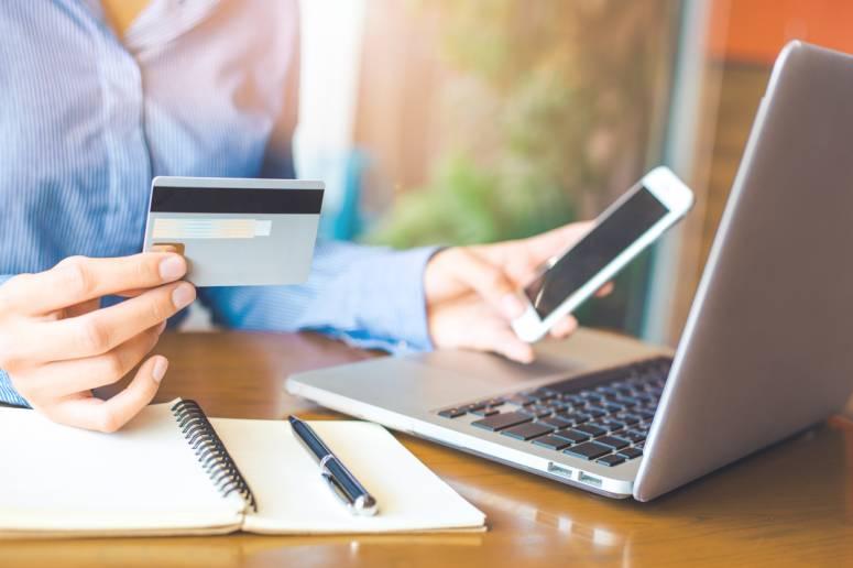 réduire ses dépenses grâce à internet