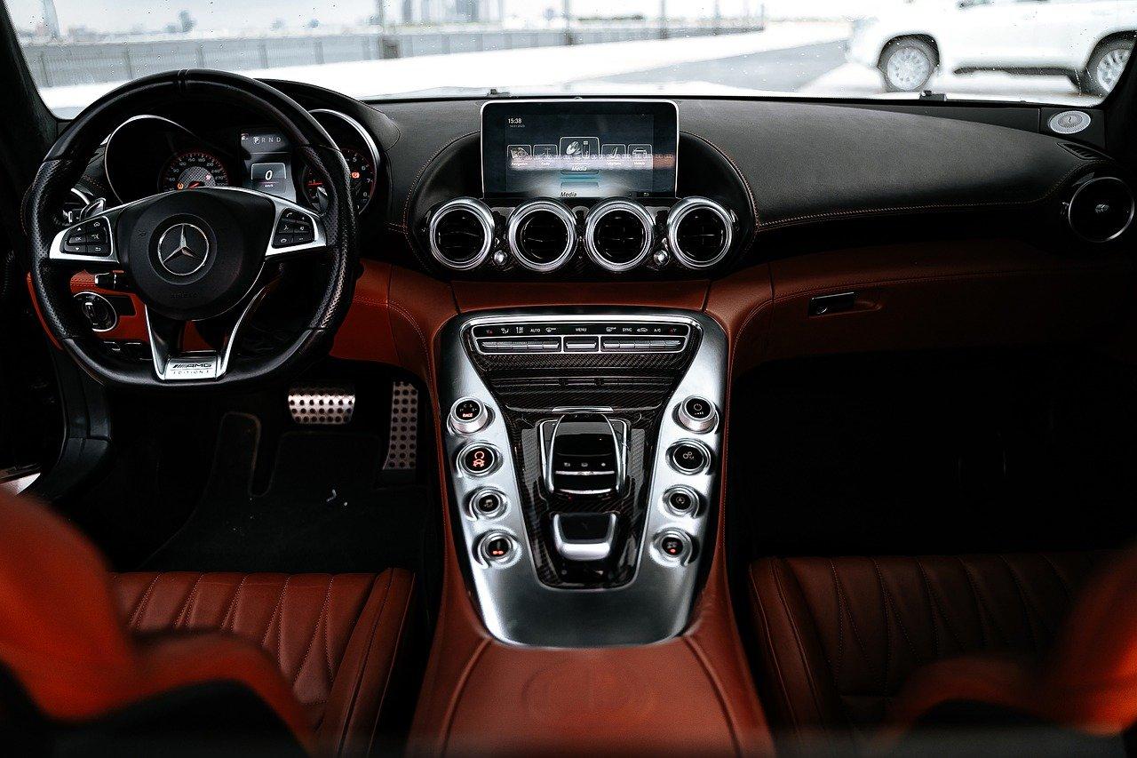 Car Vehicle Interior Steering Wheel  - 18193486 / Pixabay